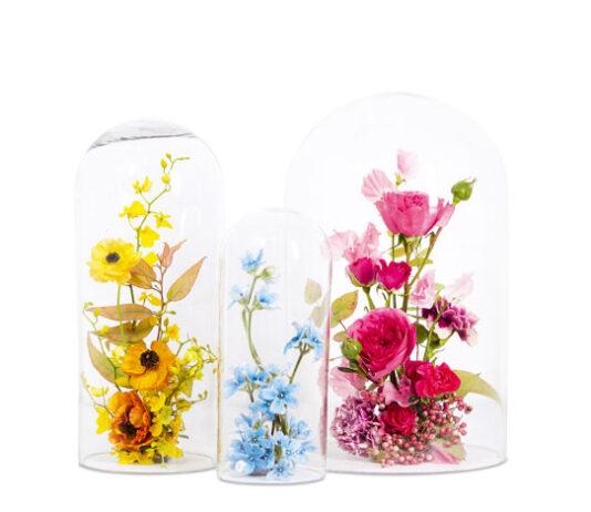 Composición floral triádica