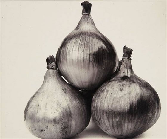 Charles Jones, Three-onions