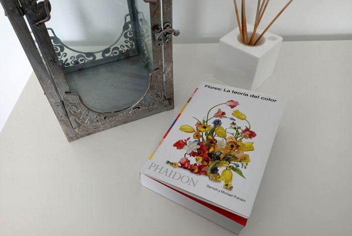 Flores, la teoría del color (libro)