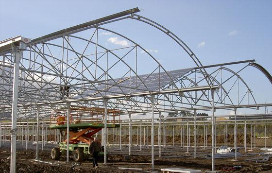 Invernaderos con paneles solares