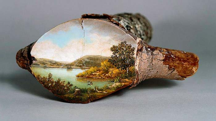 Arte en árbol caido