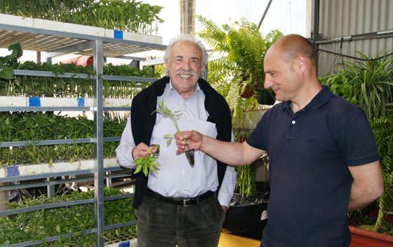 Francisco Ponce y Vicente Cotanda seleccionando el plantel