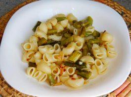 pasta con esparragos verdes