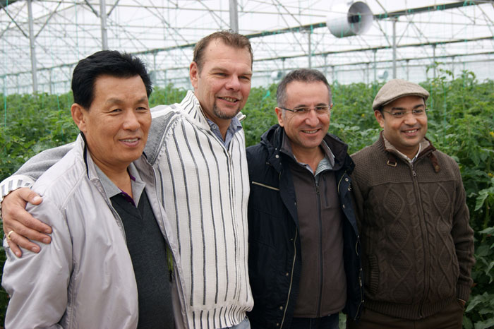 Vincent Rogier Jong junto a distribuidores internacionales